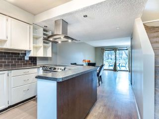 """Photo 3: 4368 GARDEN GROVE Drive in Burnaby: Greentree Village Townhouse for sale in """"GREENTREE VILLAGE"""" (Burnaby South)  : MLS®# R2439137"""