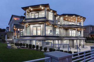 """Photo 2: 15765 PACIFIC Avenue: White Rock House for sale in """"White Rock"""" (South Surrey White Rock)  : MLS®# R2582579"""
