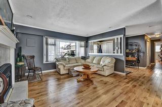 Photo 3: 17254 61B Avenue in Surrey: Cloverdale BC House for sale (Cloverdale)  : MLS®# R2579123