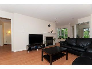 """Photo 2: 302 2161 W 12TH Avenue in Vancouver: Kitsilano Condo for sale in """"CARLINGS"""" (Vancouver West)  : MLS®# V909987"""