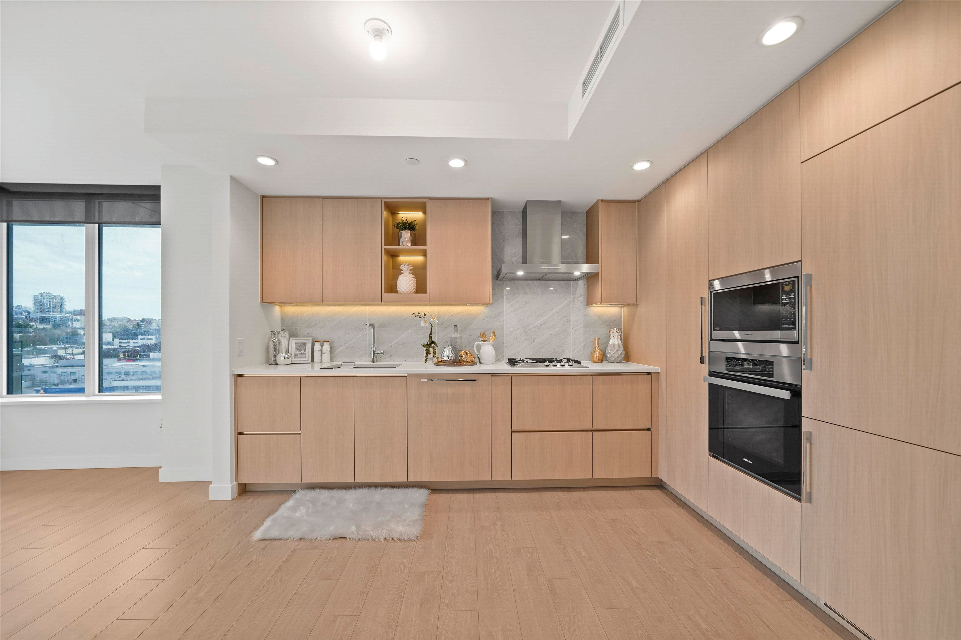 Main Photo: 1014 1768 COOK Street in Vancouver: False Creek Condo for sale (Vancouver West)  : MLS®# R2623942