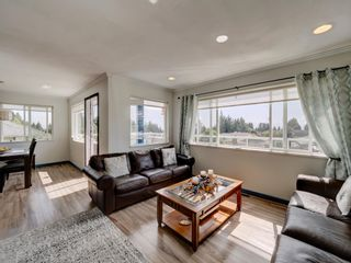 Photo 10: 6320 SAMRON Road in Sechelt: Sechelt District House for sale (Sunshine Coast)  : MLS®# R2614645