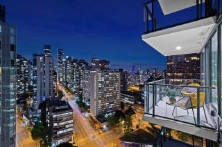 "Photo 10: 2203 620 CARDERO Street in Vancouver: Downtown VW Condo for sale in ""CARDERO"" (Vancouver West)  : MLS®# R2541311"
