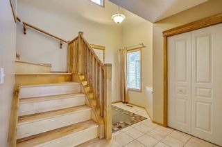 Photo 4: 38 SOMERSIDE Crescent SW in Calgary: Somerset House for sale : MLS®# C4142576