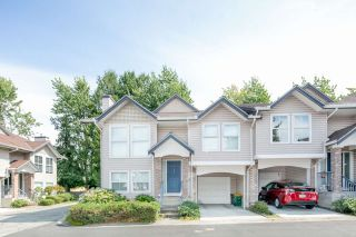 """Photo 1: 39 8716 WALNUT GROVE Drive in Langley: Walnut Grove Townhouse for sale in """"WILLOW ARBOUR"""" : MLS®# R2399861"""