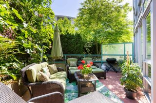 """Photo 18: 202 1033 MARINASIDE Crescent in Vancouver: Yaletown Condo for sale in """"QUAYWEST"""" (Vancouver West)  : MLS®# R2623495"""
