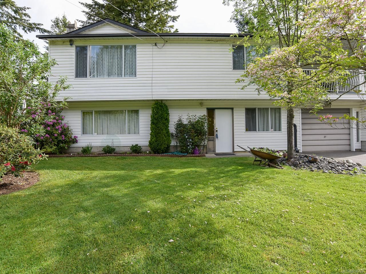 Main Photo: 1100 Hobson Ave in COURTENAY: CV Courtenay East House for sale (Comox Valley)  : MLS®# 814707