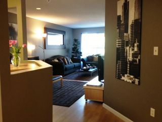 """Photo 2: 314 519 12TH Street in New Westminster: Uptown NW Condo for sale in """"KINGSGATE"""" : MLS®# V1003061"""