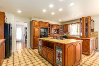 """Photo 2: 7813 MEADOWOOD Drive in Burnaby: Forest Hills BN House for sale in """"FOREST HILL PROPERTIES"""" (Burnaby North)  : MLS®# R2255915"""
