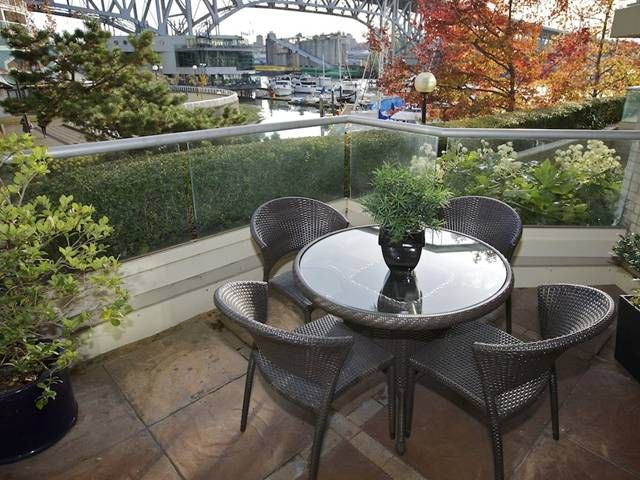 Main Photo: 201 1600 Hornby Street in Vancouver: Yaletown Condo for sale (Vancouver West)  : MLS®# V921198