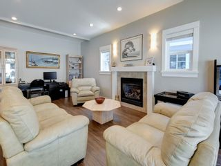 Photo 2: 11 Bamford Crt in : VR Six Mile House for sale (View Royal)  : MLS®# 878357