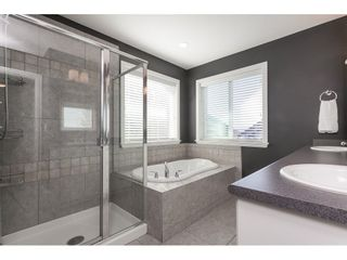 """Photo 22: 7089 179 Street in Surrey: Cloverdale BC House for sale in """"Provinceton"""" (Cloverdale)  : MLS®# R2492815"""