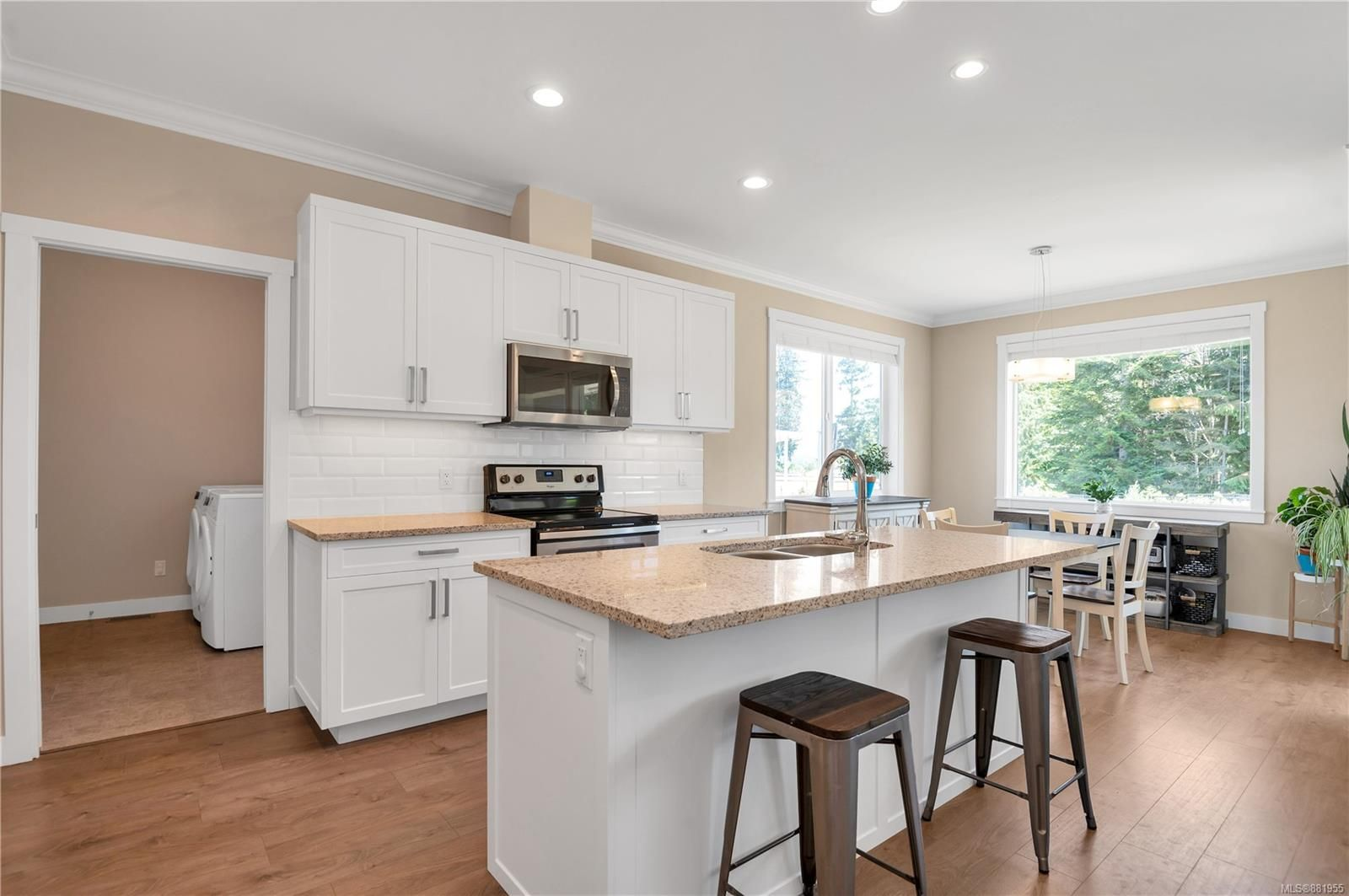 Main Photo: 70 2000 Treelane Rd in : CR Campbell River Central Row/Townhouse for sale (Campbell River)  : MLS®# 881955