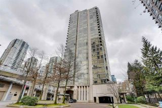 """Photo 1: 2006 930 CAMBIE Street in Vancouver: Yaletown Condo for sale in """"PACIFIC PLACE LANDMARK 11"""" (Vancouver West)  : MLS®# R2548377"""