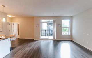 """Photo 7: 217 9399 ALEXANDRA Road in Richmond: West Cambie Condo for sale in """"ALEXANDRA COURT"""" : MLS®# R2502911"""