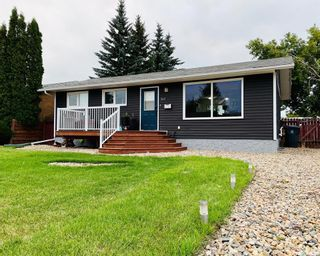 Photo 1: 262 20th Street in Battleford: Residential for sale : MLS®# SK864584