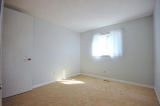 Photo 9: 33 Edgeburn Crescent NW in Calgary: Edgemont Detached for sale : MLS®# A1119029