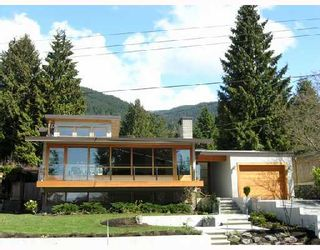 Photo 1: 772 HANDSWORTH Road in North Vancouver: Canyon Heights NV House for sale : MLS®# V698283