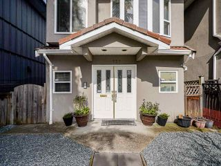 Photo 3: 735 E 20TH Avenue in Vancouver: Fraser VE House for sale (Vancouver East)  : MLS®# R2556666