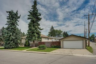 Main Photo: 3308 2 Street NE in Calgary: Highland Park Detached for sale : MLS®# A1083452