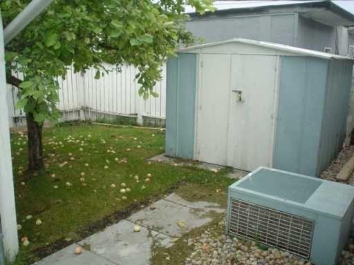 Photo 3: Photos: 5 BRAMWELL Avenue in WINNIPEG: Transcona Single Family Attached for sale (North East Winnipeg)  : MLS®# 2616465