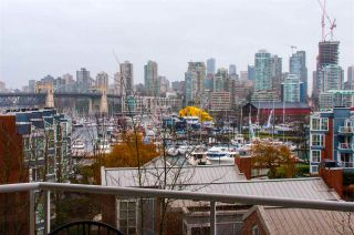 "Photo 3: 507 1508 MARINER Walk in Vancouver: False Creek Condo for sale in ""MARINER POINT"" (Vancouver West)  : MLS®# R2571023"
