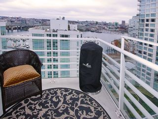 "Photo 13: 1807 198 AQUARIUS MEWS ME in Vancouver: Yaletown Condo for sale in ""AQUARIUS II"" (Vancouver West)  : MLS®# V995255"