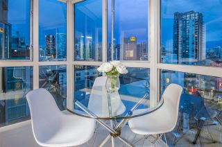 """Photo 10: 807 1188 HOWE Street in Vancouver: Downtown VW Condo for sale in """"1188 HOWE"""" (Vancouver West)  : MLS®# R2162667"""