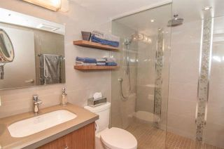 Photo 11: Vancouver West in Fairview VW: Condo for sale : MLS®# R2073794