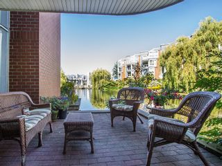"""Photo 2: 1511 MARINER Walk in Vancouver: False Creek Townhouse for sale in """"THE LAGOONS"""" (Vancouver West)  : MLS®# V1076044"""