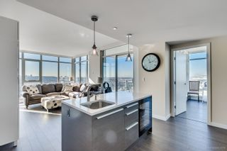 """Photo 17: 4202 4485 SKYLINE Drive in Burnaby: Brentwood Park Condo for sale in """"ALTUS AT SOLO"""" (Burnaby North)  : MLS®# R2316432"""
