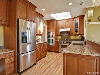 Photo 7: 1525 Despard Ave in VICTORIA: Vi Rockland House for sale (Victoria)  : MLS®# 698509