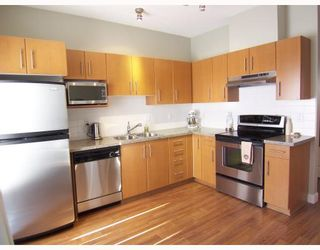 """Photo 2: 34 8533 CUMBERLAND Place in Burnaby: The Crest Townhouse for sale in """"CHANCERY LANE"""" (Burnaby East)  : MLS®# V758418"""