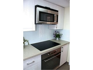 """Photo 6: 1505 1199 EASTWOOD Street in Coquitlam: North Coquitlam Condo for sale in """"Silkerk"""" : MLS®# V1088798"""