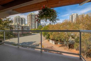 """Photo 11: 418 5 K DE K Court in New Westminster: Quay Condo for sale in """"QUAYSIDE TERRACE"""" : MLS®# R2105551"""