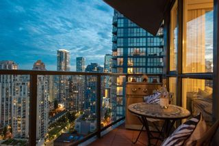 """Photo 4: 2506 1155 SEYMOUR Street in Vancouver: Downtown VW Condo for sale in """"Brava"""" (Vancouver West)  : MLS®# R2387101"""