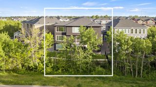 Photo 4: 32 West Grove Bay SW in Calgary: West Springs Detached for sale : MLS®# A1147560