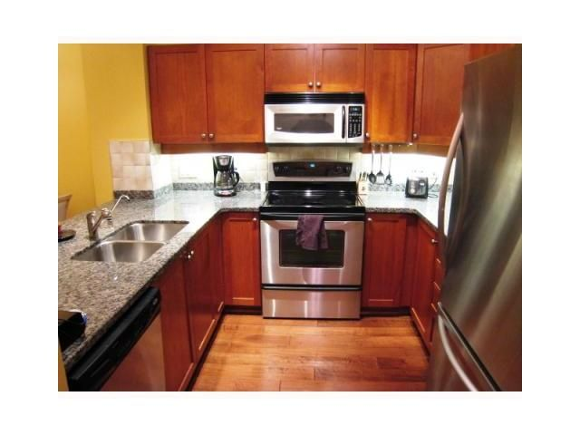 """Photo 3: Photos: 107 625 PARK Crescent in New Westminster: GlenBrooke North Condo for sale in """"WESTHAVEN"""" : MLS®# V827362"""