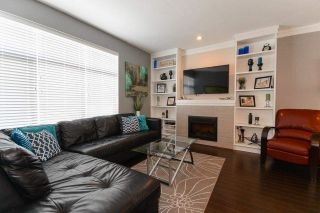 Photo 2: 44 14377 60 AVENUE in Surrey: Sullivan Station Townhouse for sale ()  : MLS®# R2099824