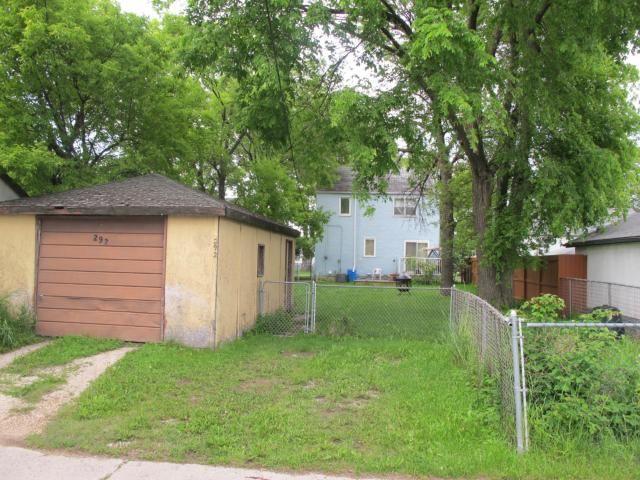 Photo 3: Photos:  in WINNIPEG: East Kildonan Residential for sale (North East Winnipeg)  : MLS®# 1212553