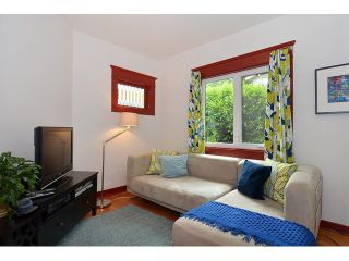 """Photo 5: 902 W 23RD Avenue in Vancouver: Cambie House for sale in """"DOUGLAS PARK"""" (Vancouver West)  : MLS®# V1125620"""