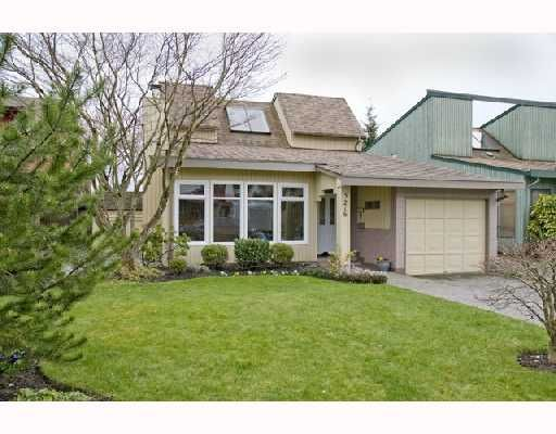 Main Photo: 3216 CHROME Crescent in Coquitlam: New Horizons House for sale : MLS®# V696861
