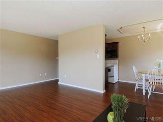 Photo 8: 202 1680 Poplar Ave in VICTORIA: SE Mt Tolmie Condo for sale (Saanich East)  : MLS®# 654377