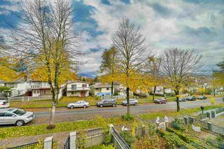 Photo 3: 3318 E 2ND AVENUE in Vancouver: Renfrew VE House for sale (Vancouver East)  : MLS®# R2119247