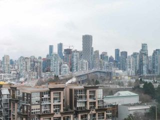 """Photo 3: 900 1570 W 7TH Avenue in Vancouver: Fairview VW Condo for sale in """"Terraces on 7th"""" (Vancouver West)  : MLS®# R2588372"""