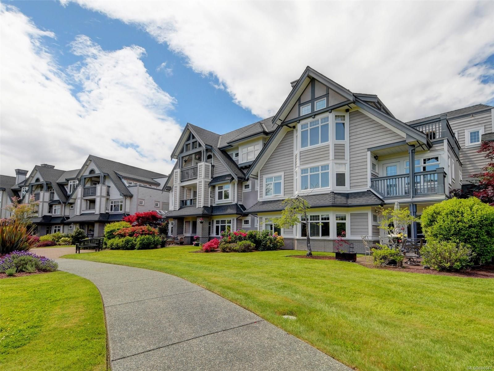 Main Photo: 217 4490 Chatterton Way in : SE Broadmead Condo for sale (Saanich East)  : MLS®# 886947
