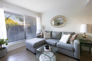 """Photo 3: 101 1990 W 6TH Avenue in Vancouver: Kitsilano Condo for sale in """"Mapleview Place"""" (Vancouver West)  : MLS®# R2625345"""