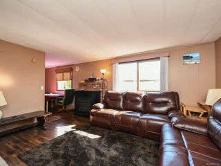 Photo 2: 490 Upland Ave in COURTENAY: CV Courtenay East Manufactured Home for sale (Comox Valley)  : MLS®# 837379
