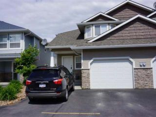 Photo 1: 1945 GRASSLANDS BLVD in Kamloops: Batchelor Heights Residential Attached for sale : MLS®# 109939