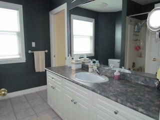 Photo 9: 32982 HAWTHORNE AV in Mission: Mission BC House for sale : MLS®# F1308662